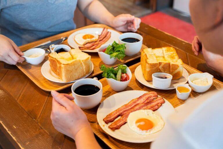 街歩きをしながら朝食をパン屋で、、、いかがですか🍞