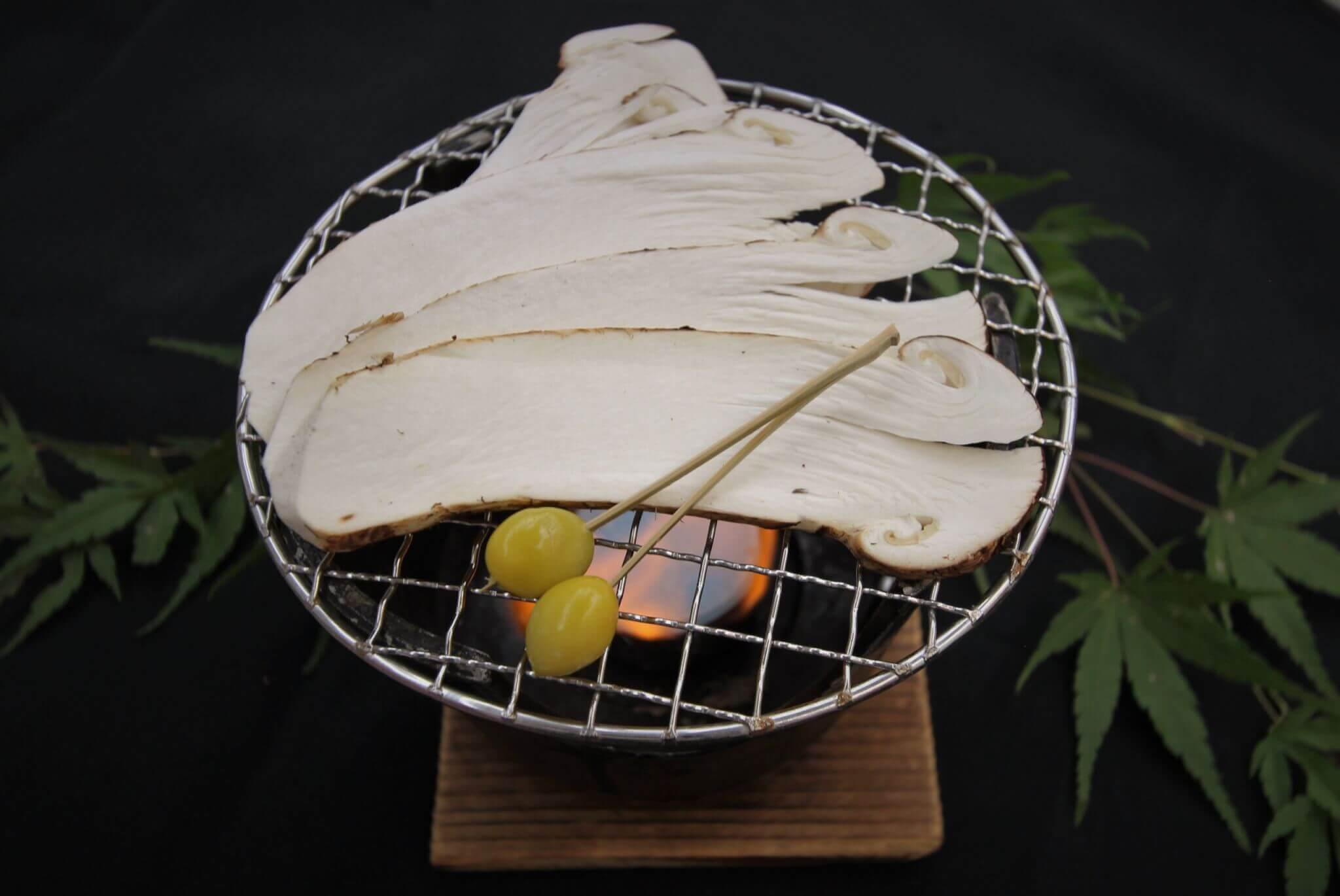 特別料理に『焼き松茸』いかがですか